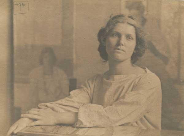 Vivian Bevans. Signed photo by Eva Watson-Schütze.
